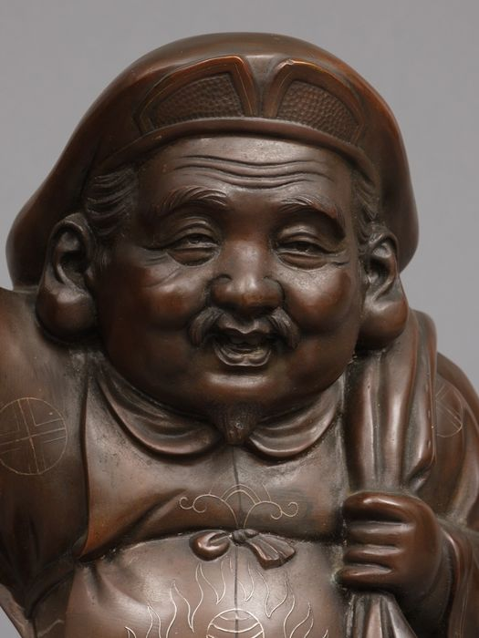 Statue - Bronze - 51 kg. heavy large bronze statue of Daikoku, one of the 7 lucky gods  - Japan - Taishō period (1912-1926)
