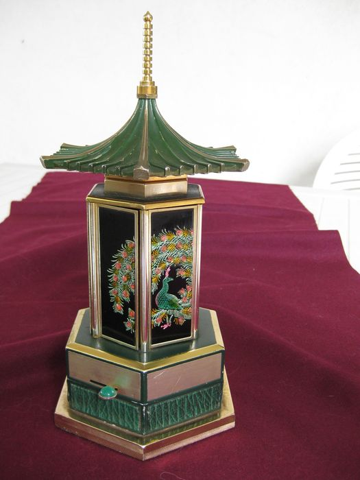 Windmill Svizzera - Pagoda shaped cigarette case with music box - 1