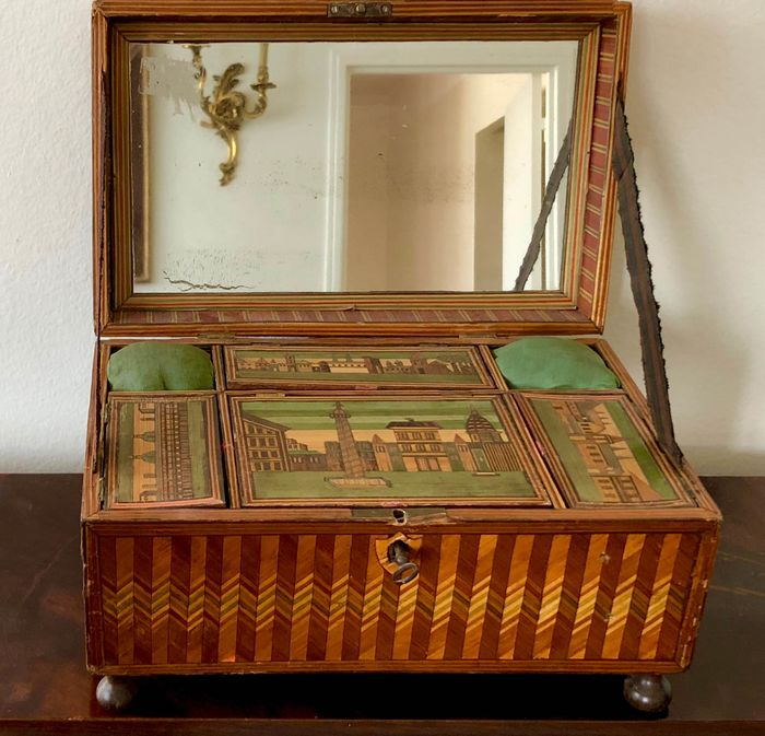 Sewing necessaire box - with various harbor views - Wood - late 18th - early 19th century