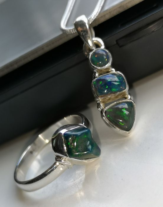 Silver 925 \ 1000 chain, pendant and ring with black opal - 8×8×25 mm - 7.4 g - (3)