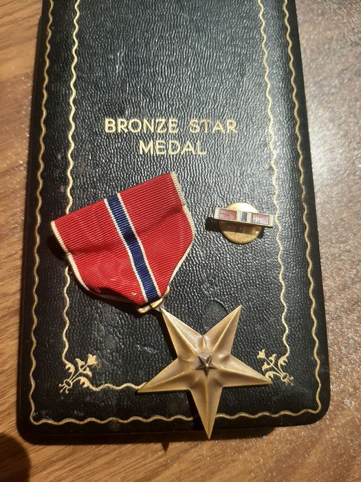 United States of America - WW2 Unique Bronze Star and lapel pin in original box - Infantry - Airborne - 1944