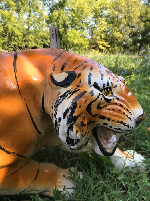 Bengal Tiger - Hand painted porcelain