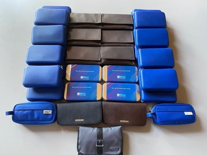 Air France and KLM Royal Dutch Airlines - AirFrance - KLM Business (13) KLM Economy (18) - economy class inflight amenity kits -  Leather - Others metal and/or fabric