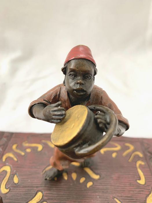 Possibly Bergman Foundry - sculpture group of children playing music (1) - Bronze (cold painted) - 20th century