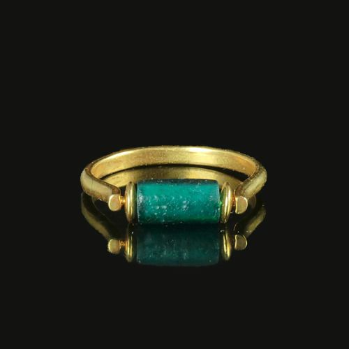 Ancient Roman Glass Ring with green glass bead - (1)