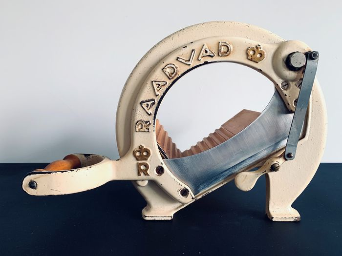 Raadvad - Bread slicer White and Gold - Model 294