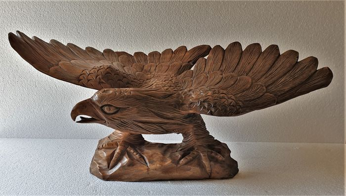 Wood carved sculpture of a large white-tailed eagle - Wood - Mid 20th century