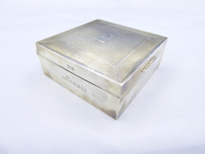 silver box - .925 silver - Netherlands - Early 20th century