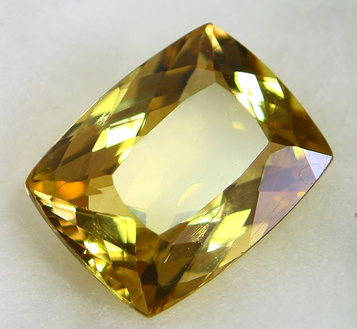 Beryl, Gold No Reserve Price - 4.64 ct