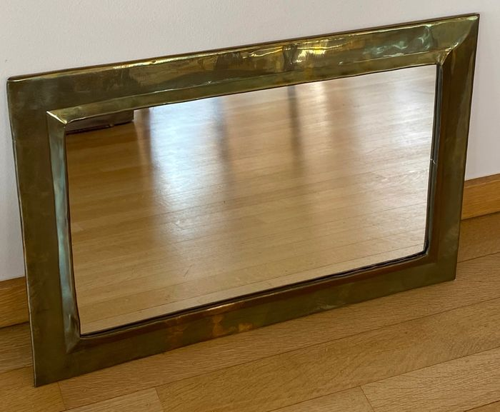 A copper mirror, can be hung in both length and width