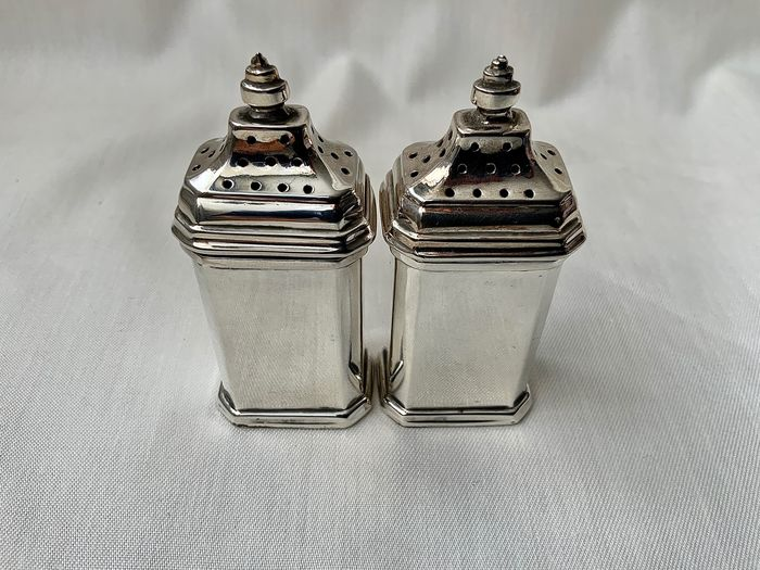 English Art Deco sterling silver pepper pots (2) - .925 silver - Adie Brothers Ltd, Birmingham - U.K. - 1947