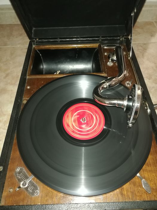 His Masters Voice - 101 - Turntable