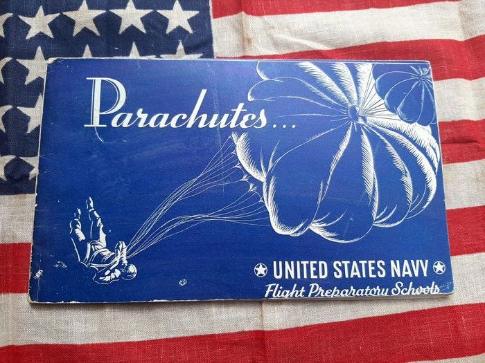 United States -  Official Classified WW2 USAAF/Airborne - Use of Parachute - Manual - Paratroopers - Pilots - 1942