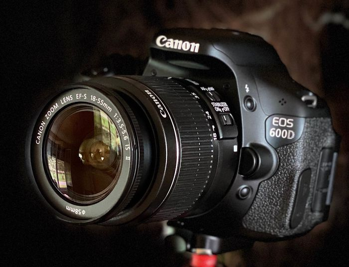 Canon EOS600D -Canon Zoom EFS 18-55mm IS II