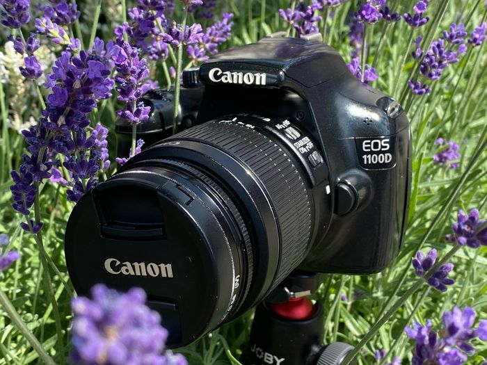 Canon EOS 1100D EF-S 18-55mm IS-II