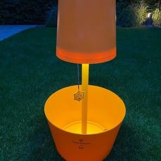 Veuve Clicquot Ponsardin 'Ice Lounge 2011' by Studio 5.5 Champagne Ice-Bucket/ Lamp - Champagne - 1 Fles (0.75L)