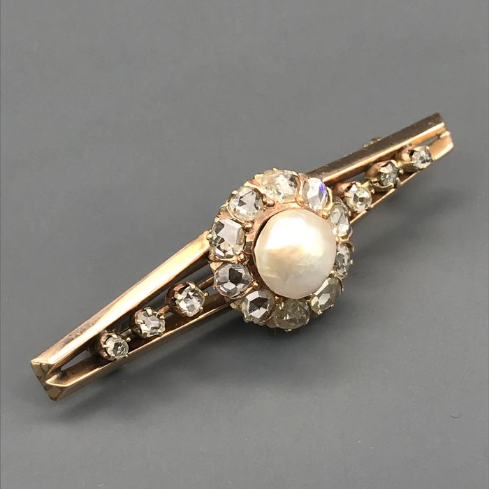 18 kt. Mabe pearl, Yellow gold, 9.40 mm - Brooch - 1.30 ct Diamond