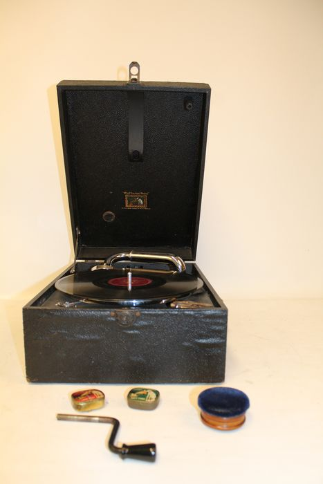 His Masters Voice - model 87A - 78 rpm Grammophone player