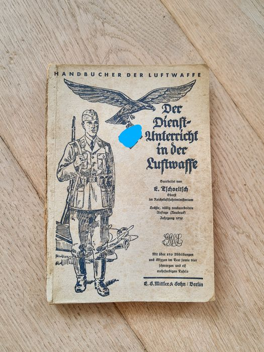 Germany - Book, Serviceunterricht Luftwaffe 1939 with 250 image