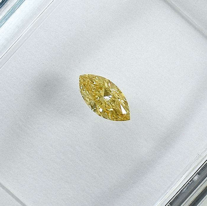 Diamond - 0.13 ct - Marquise - Natural Fancy Orangy Yellow - Si2 - NO RESERVE PRICE