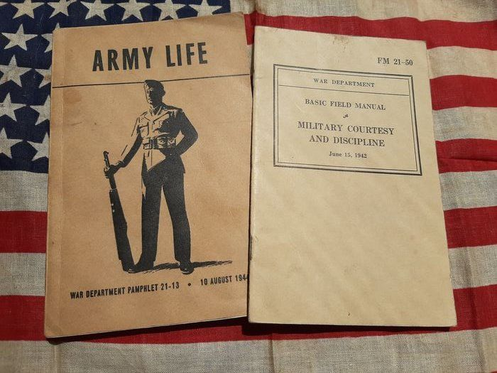 United States - Official US Army Soldiers Handbook + Drill Instructions - >180 pages!! Airborne - Ranger - Equipment - 1944