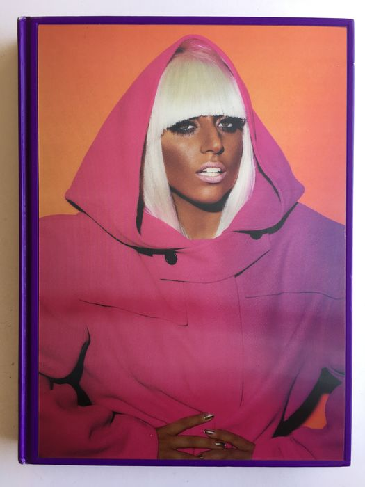 Signed; Mario Testino - Private View Limited Edition - 2012
