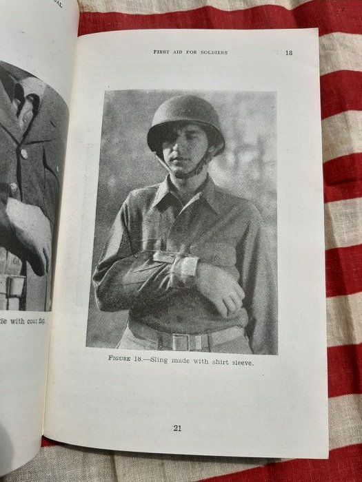 United States - Official US Army MEDIC Handbook! - Airborne - Ranger - D-Day FM21-11 - 1943