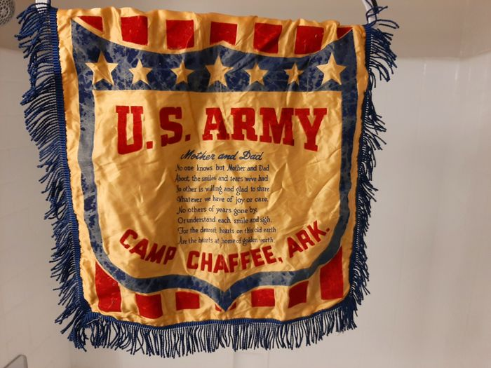 United States of America - Rare WW2 - Home-front ''Son in Service'' silk Pillow Cover ''Camp Chaffee'' - Armored division training camp - 1942
