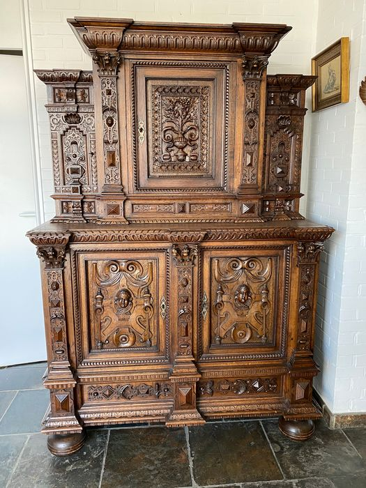 Cupboard, richly carved - Renaissance Style - Oak - Late 19th century