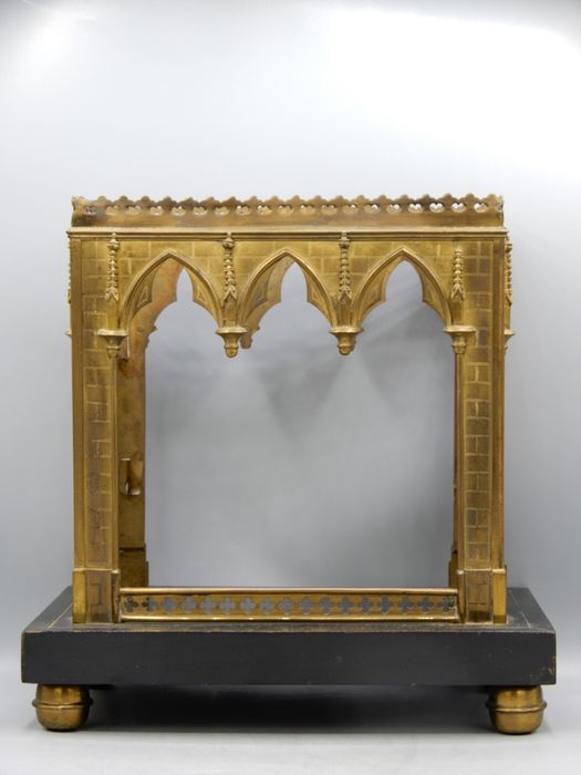 An excellent stand for a statue - Brass, Glass, Wood - Early 20th century