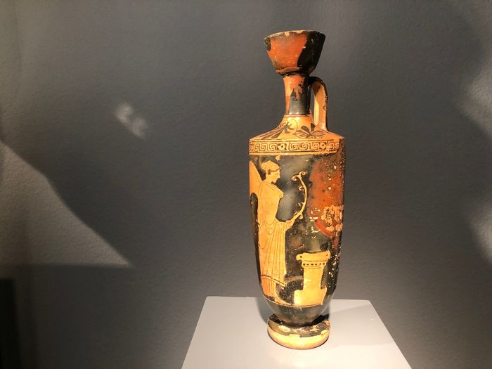 Ancient Greek Pottery Lekythos with image of Nike - 32×9.5×10 cm - (1)