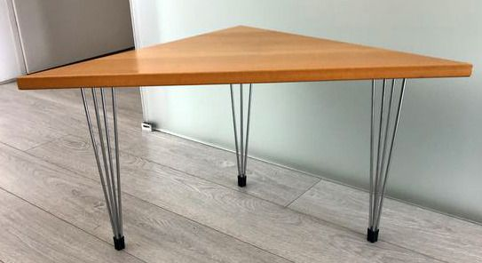 Side table, A corner side table with hairpin style legs.