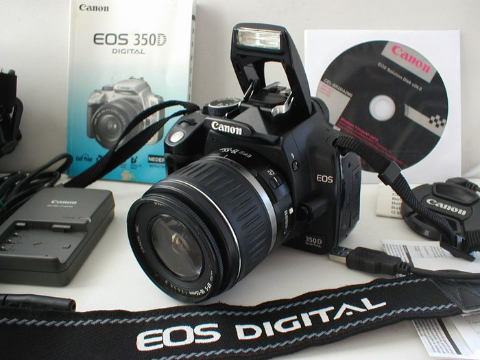 Canon EOS 350D met Canon EF-S 18-55mm lens
