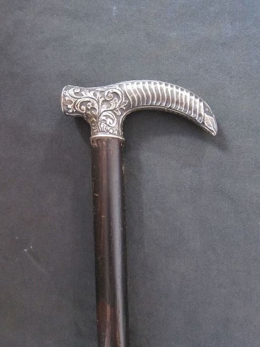 Walking stick - walking stick with silver handle - First half 20th century