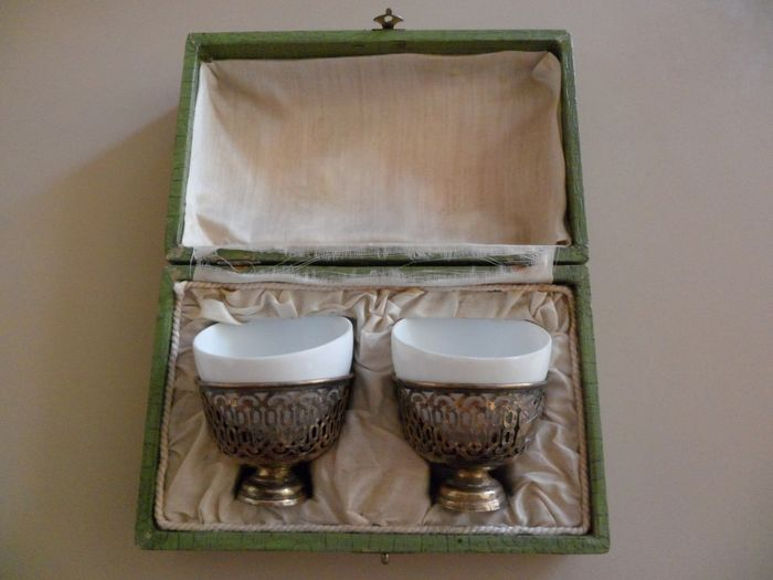Pair of Turkish - Ottoman - Islamic Zarfs with Porcelain Cups - .840 silver, Silver gilt - Late 19th century