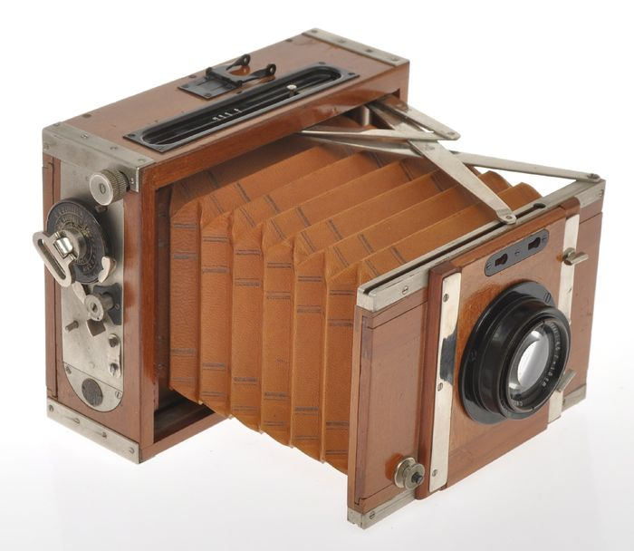 Contessa Nettel Tropen Deck Rullo klapp camera 9x12cm with 150/4.5 Tessar c.1920