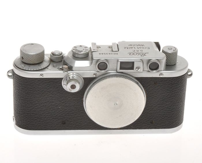 "Leitz Leica IIIA n.263588 only body c.1937, exc++ condition it needs to ""work"""