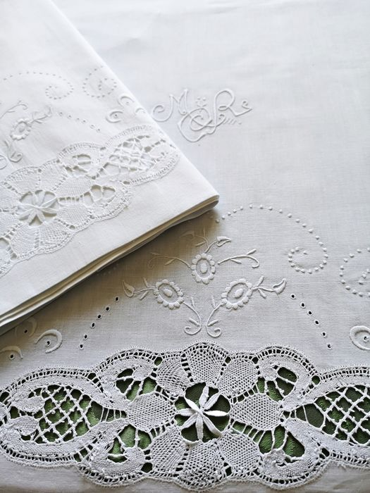 Antique bedding set with lace and embroidered monogram. Bed of 1.50- (2) - Fine batista - Early 20th century