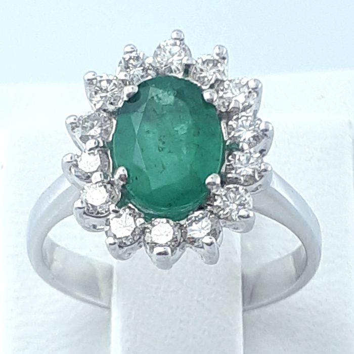 14 kt. White gold - Ring - 1.26 ct Emerald - Diamonds