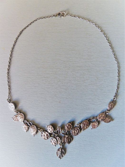 silver color metal - Very nice antique necklace from the Art Nouveau period
