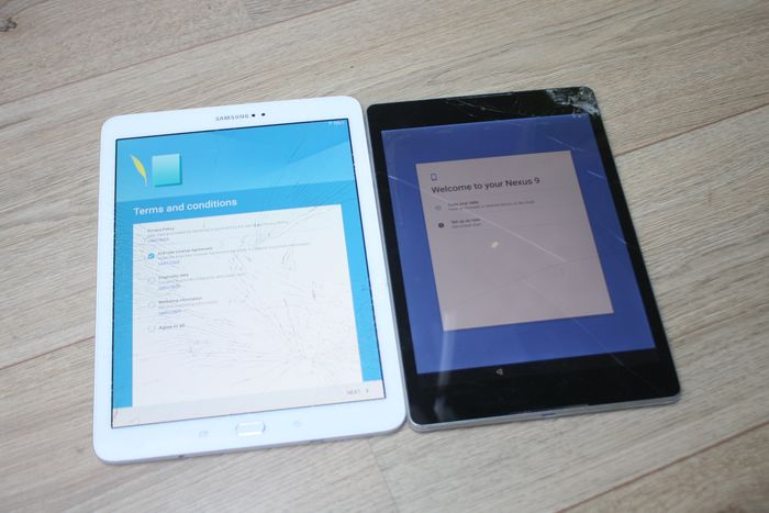 Samsung, HTC - Lot of 2 fast tablets - Samsung Galaxy Tab S2 9.7 - HTC Nexus 9 - In need of servicing