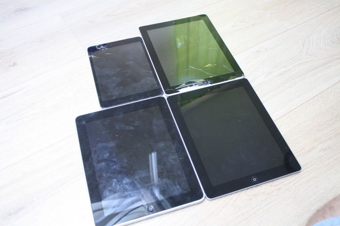Apple Lot of 4 iPads - iPad 1e generatie, 2e generatie, Mini - Behoefte aan onderhoud