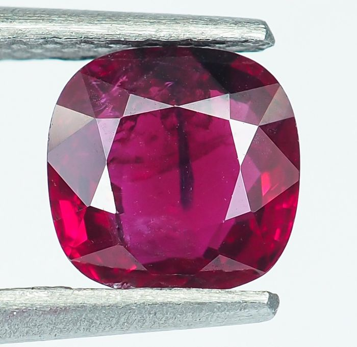 No Reserve - Birmanie - Rubis rouge intense - 1.05 ct