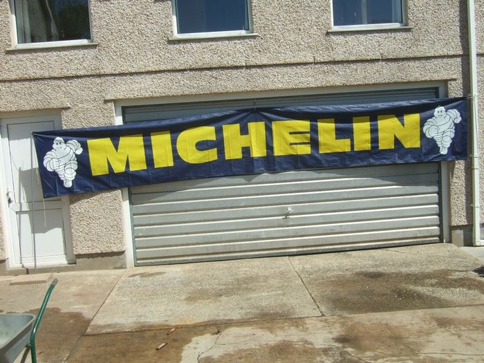 Signalisation - Extra Large Michelin Man Biennium Sign Banner Garage Dealer Advertising 5.5 Meters Length - Michelin - 1970-1980