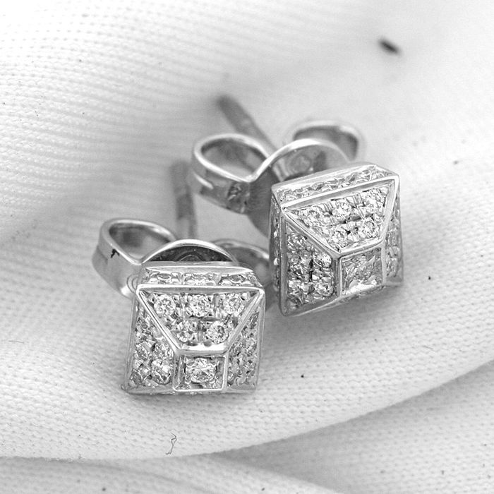 Gucci - 18 kt. White gold - Earrings - 0.66 ct Diamond