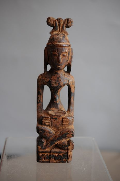 Carving - Wood - Leti, Indonesia