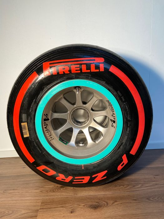 Mercedes AMG F1 Team - Formula One - Lewis Hamilton and Nico Rosberg - 2016 - Tire complete on wheel