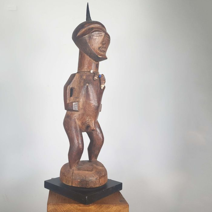 Statue (Published in the Aguttes catalog) - Wood - Ancienne collection Robert Lemariey (Paris, France) - Songye - Congo