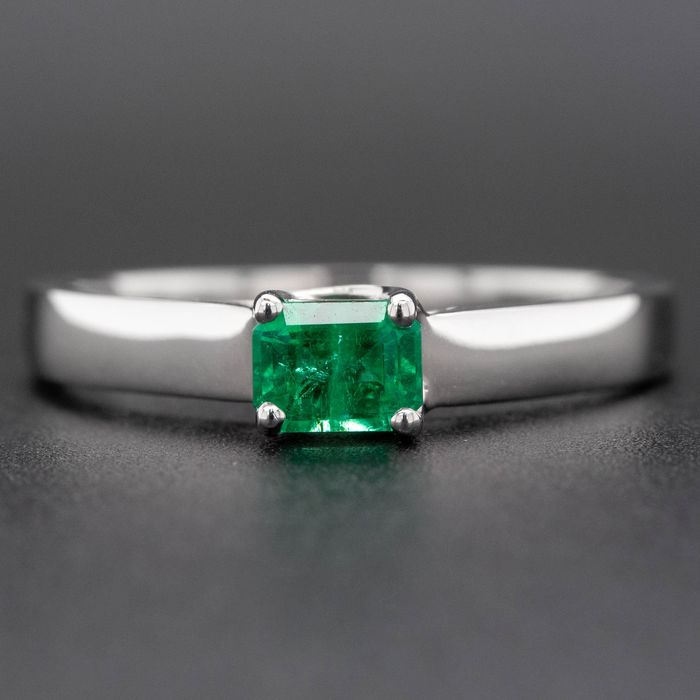 14 kt. White gold, 1.78g - Ring - 0.40 ct Emerald - No Reserve Price