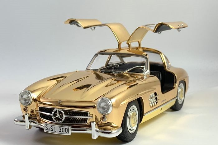 MiniChamps - 1:18 - Mercedes-Benz 300 SL Gullwing from 1954 gold - Limited Edition